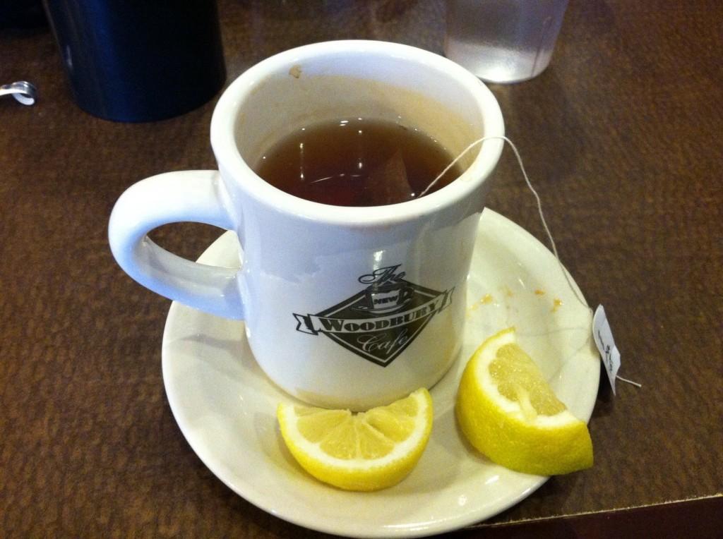 Earl Grey tea w/lemon to start my meal. Hmmm.